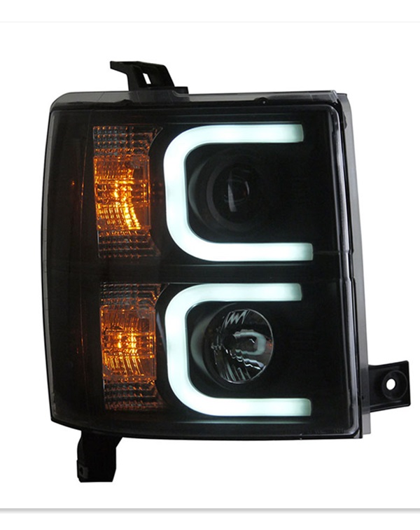 2014 Chevrolet Silverado headlamp and taillamp